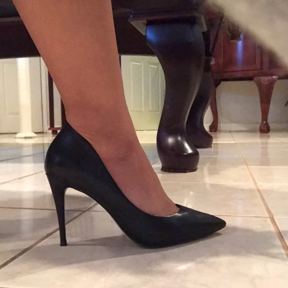 e13bddf89b Aldo Shoes | Uloaviel Black Leather Pumps Size 65 | Poshmark